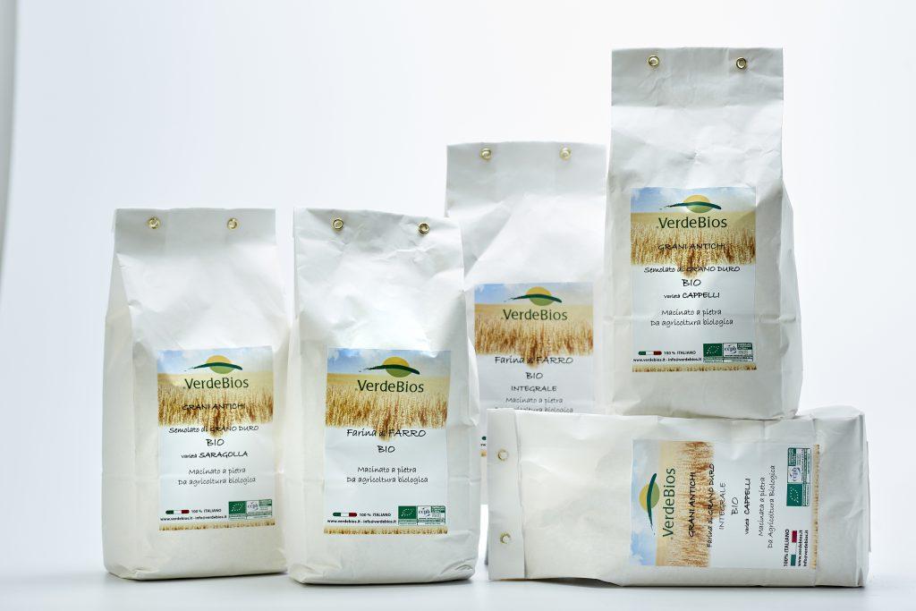 Verdebios produce farine e semolati di grani antichi secondo agricoltura biologica; Senatore Cappelli, farro, Saragolla